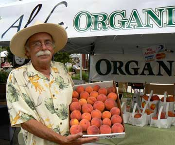 Palisade Peaches from Aloha Organic Fruit